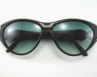 Paula Belle sunglasses, Made in France, 1990s Funky beach eyewear, Continental styling, Summer fun