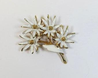 1960's White Enamel Four Flower Brooch signed 'Kramer', Kramer White Gold Flowers Pin Brooch, Daisies Brooch Pin, Vintage Flower Pin Brooch