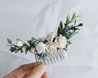 Hair comb Ivory and off white grenery headpiece, floral hair piece, ivory hair clip, bridal hair piece, greenery comb, leavfy comb, white cl
