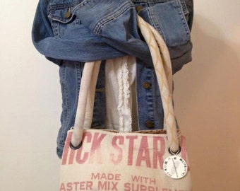 Vintage Master Mix CHICK STARTER feed sack purse - a Wee Carpetbag