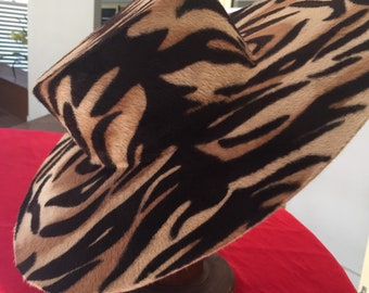 Melusine boater hat tiger  Divine Print one of a kind