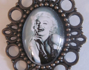 MADE IN FRANCE Retro vintage cameo brooch marilyn monroe rockabilly pin up wedding 1950's 1960's hollywood movie