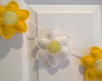 Easter Decorations, Spring Decorations, Daffodil Garland,Bunting, Daffodil Lover, Yellow & White Bunting, Flower Bunting, Spring Nursery