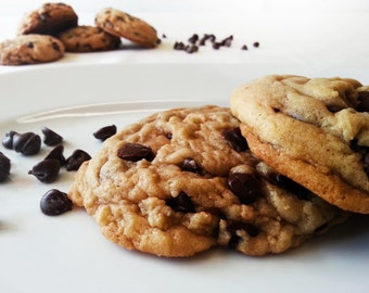 Chocolate chip cookies - 1 DOZEN Jumbo chocolate chip cookies