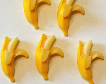 5 Resin Bannana Buttons Sewing Buttons - Buttons - #R-00116