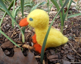 Yellow Felt Duckling / Spring Nature Table Needle Felted Wool Animal Toy /  Waldorf Easter Decoration / Farm Animal Figurine