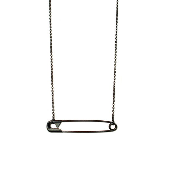Minimal Safety Pin Necklace
