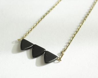 Pfeil Halsband Halskette mit drei Dreieck Design auf Choker