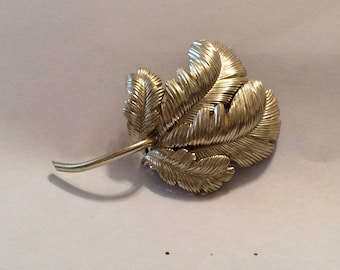 Goldtone Leaf Brooch, leaf fronds, Vintage Jewelry, Leaf Pin