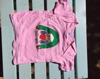 Downward-facing Gnome Baby T-shirt, Organic Cotton in Soft Pink.