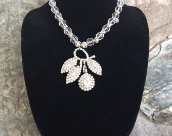 Weiss Rhinestone Pendant Necklace with Crystal Beads