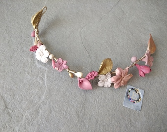 Flower headband in French porcelain.