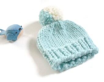 Newborn Knit Hat//Newborn Pom Pom Hat//Chunky Knit Baby Beanie/Hand Knit Baby Hat/Newborn Beanie/Newborn Baby Hat