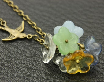 Necklace package of flowers and swallow