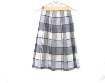 Wool Plaid Skirt, Vintage Woolen Pleated Skirts, Gray and Black Wool Plaid Skirts For Women,Wool Plaid Skirt, Size 4-6, Retro Winter Fashion