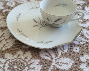 Vintage snack plates with cups (set of 8)