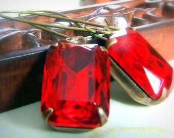 Vintage Antik Messing Glas Perle Ohrringe, rot Glas Juwelen, Rechteck, Quadrat, lange Ohrringe