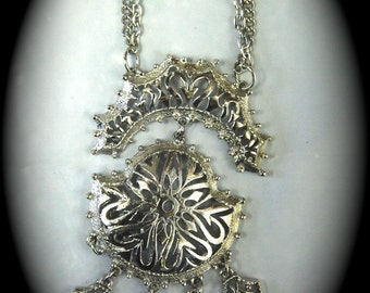 Vintage Silver Toned Filigree Chandelier Necklace Pendant 1960s