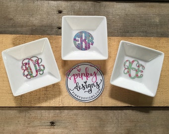 Lilly Pulitzer Inspired Monogram Jewelry Dish - Customizable - Choose your font and pattern - anniversary gift, bridesmaids gift, bride gift