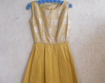 50s 60s Metallic Party Dress . Gold Shiny Fit and Flare Dress . XS-S