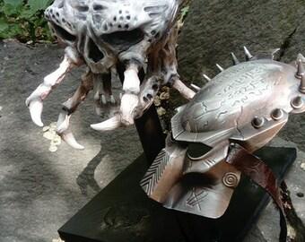 PREDATOR skull and mask display. Lifesize.