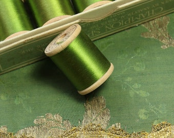 1 antique pure silk thread extra fine spool green fly tying Gudebrod 50 yards size 00 dark sewing fly trying doll dress flapper millinery
