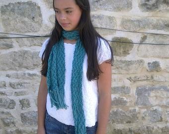 Merino scarf with fringe