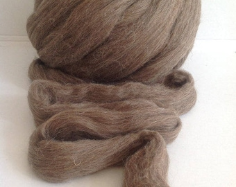 FRENCH LANDSHEEP wool roving -grey and middle brown co.no. 1464