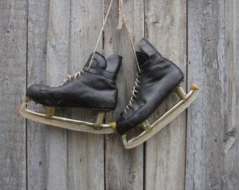 Vintage soviet ice skates /  Ice Hockey wall decor vintage 60s