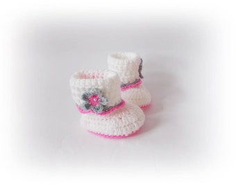 Baby boots, Crochet baby boots, Crochet baby shoes, White knit boots, White pink shoes, Baby shoes, Newborn boots, Crib shoes, Baby booties