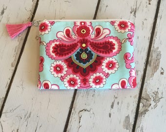 Ready to ship,New Essential Oil Bag, Roller bottle or 5ml bag, Any Butler fabric (holds 6-8)
