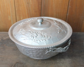 Vintage Hammered Aluminum Lidded Bowl/Casserole Dish -- Nasco, made in Italy
