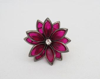 Vintage Jewelry Black Tone Dark Pink & White Rhinestone Flower Ring Size 8.25