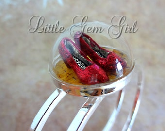 Wizard of Oz Bracelet - Sparkly Ruby Red Slippers - Dorothy Follow the Yellow Brick Road Jewelry