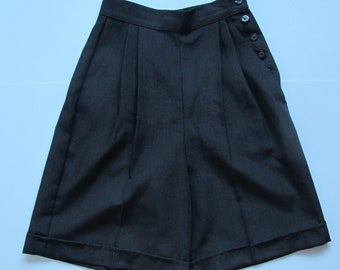 HUGE SALE 80s Vintage Black Linen Feel Button Up High Waisted Shorts Small