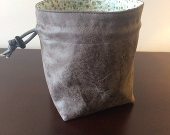 Synapse Stand-up Dice Bag, Square Bottom