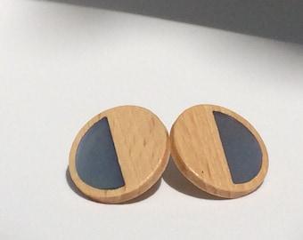 Blue Lob Earring EPA! Design. Mixture collection. Jewelry, jewels, design, wood, rim, rubber. Blue lobe earring, pin