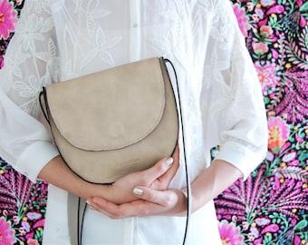 Saddle bag, Beige saddle bag, half moon bag, round saddle bag, messenger bag, leather messenger bag, off white bag