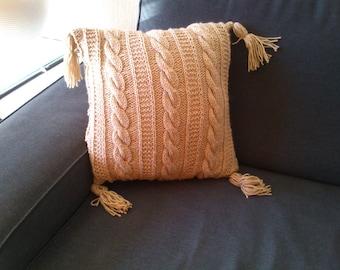 40cmx40cm cushion hand knitted beige