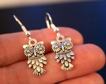 Owl earrings, small silver owl earrings, silver owl earrings, dangle earrings, silver earrings, owl earrings, cute owl earrings