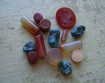 Assorted Vintage Semi-Precious Stones - Agate/Turquoise - Carved Intaglio - Jewellery.