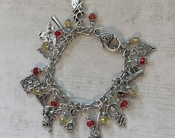 Harry Potter Bracelet — Great Gift!  Sparkle Hogwarts Harry Potter Gift Christmas Gift Harry Potter Jewelry BD747