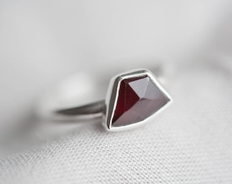 size 7.75 - dark red garnet gemstone ring. sterling silver. natural faceted deep red gem jewelry. january birthstone