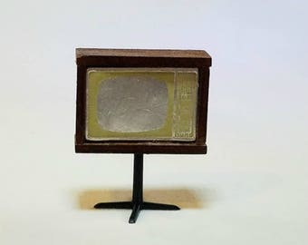 TV Dollhouse Miniature on Stand 1:12 Scale Vintage