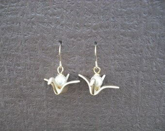 June Birthstone Earrings, Pearl Earrings, 16K Gold Plated Earrings with Origami Crane and Birthstone, Bridesmaid Gift, Wedding Gift