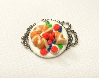 Raspberry Cake on a Plate necklace Cake moms gift Pastry jewelry Food necklace Cake jewelry Tiny food jewelry Bakery jewelry Fruit pie slice