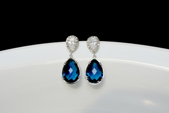 stone with property and room accenrts diamond earrings l blue gold