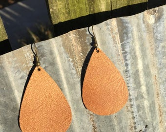 Teardrop Country Leather