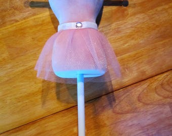Adorable pink tutu jewelry/necklace holder