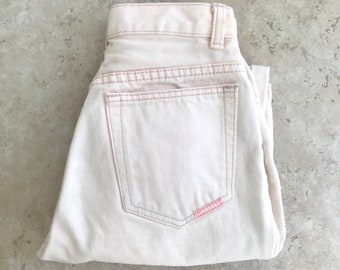 Vintage Jordache Light Pink Jeans // 80s Peach Mom jeans // Vintage High Waisted Jeans